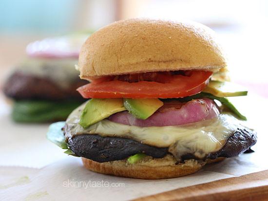 grilled-portobello-mushroom-burgers-550x413