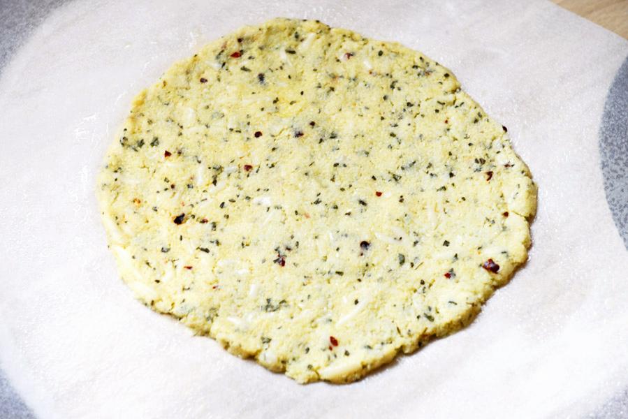 tasty-kitchen-blog-cauliflower-crust-pizza-09